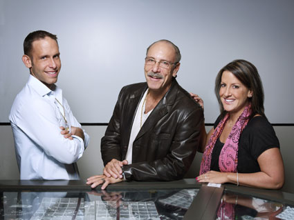 """Les Gold and family star on TruTV's """"Hardcore Pawn"""""""