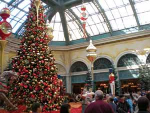 Largest, most extreme Christmas trees in world profiled on TLC ...