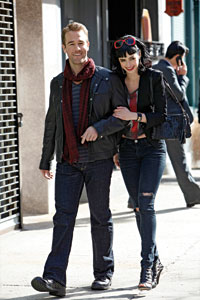 James Van Der Beek, Krysten Ritter, Don't Trust the B--- in Apartment 23