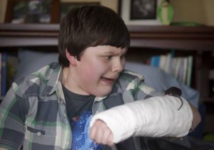 """Robert Capron (""""Diary of a Wimpy Kid"""") guest star in """"The Cast,"""" a new episode of The Hub's """"R.L. Stine's The Haunting Hour"""""""
