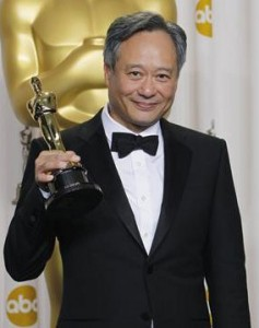 """Ang Lee holds his Best Director Oscar for """"Life of Pi"""""""