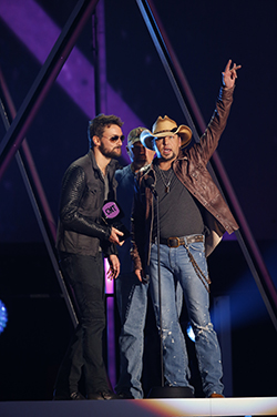 cmt awards 2013