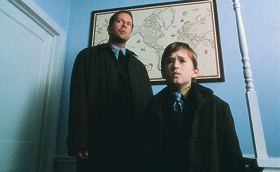 tbt tv 12 year old haley joel osment on the sixth sense. Black Bedroom Furniture Sets. Home Design Ideas