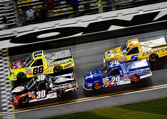 2015 NASCAR Camping World Truck Series TV