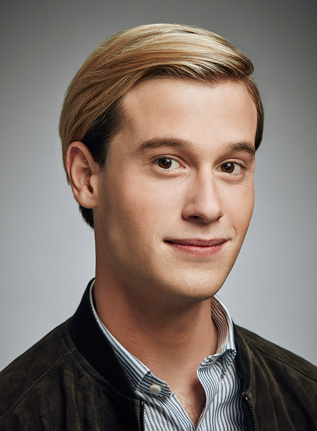 c930d8803008 Hollywood Medium Tyler Henry explains how he sees dead people ...