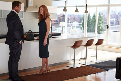 sarah-rafferty-gabriel-macht-suits-season-5