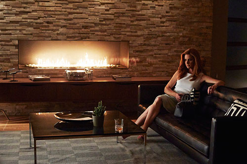 sarah-rafferty-suits-season-5