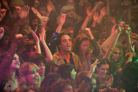 vinyl-hbo-bobby-cannavale-concert-audience