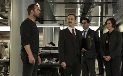 "BLINDSPOT -- ""Erase Weary Youth"" Episode 113 -- Pictured: (1-r) Sullivan Stapleton as Kurt Weller, John Hodgman as Inspector Fisher -- (Photo by: Giovanni Rufino/NBC)"