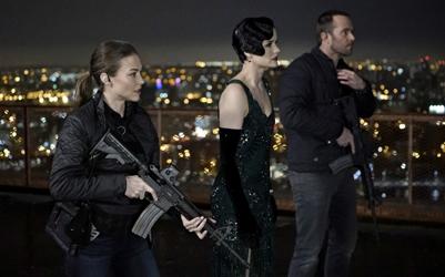 "BLINDSPOT -- ""One Begets Technique"" Episode 118 -- Pictured: (l-r) Trieste Kelly Dunn as Allison Knight, Jaimie Alexander as Jane Doe, Sullivan Stapleton as Kurt Weller -- (Photo by: Peter Kramer/NBC)"