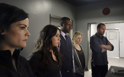 "BLINDSPOT -- ""Of Whose Uneasy Route"" Episode 121 -- Pictured: (l-r) Jaimie Alexander as Jane Doe, Audrey Esparza as Tasha Zapata, Rob Brown as Edgar Reade, Ashley Johnson as Patterson, Sullivan Stapleton as Kurt Weller -- (Photo by: Paul Sarkis/NBC)"