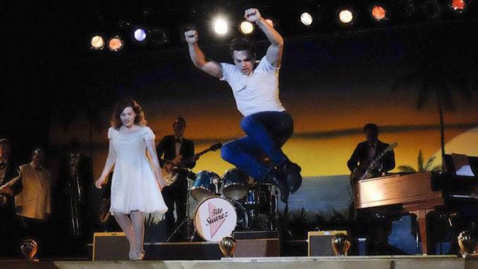 DIRTY DANCING Abigail Breslin, Colt Prattes
